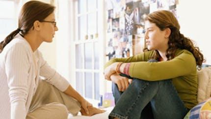 Adolescent, parents : maintenir le dialogue