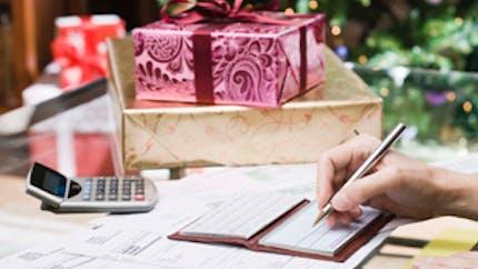 Coffret, carte ou bon d'achat : un cadeau de Noël original