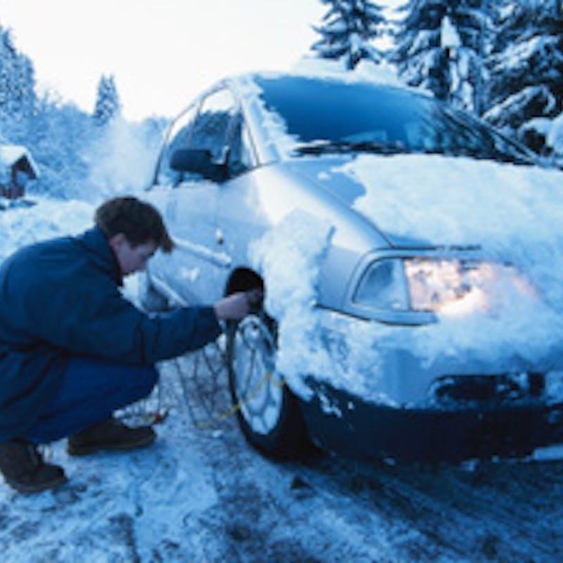Neige : ne vous laissez pas piéger en voiture