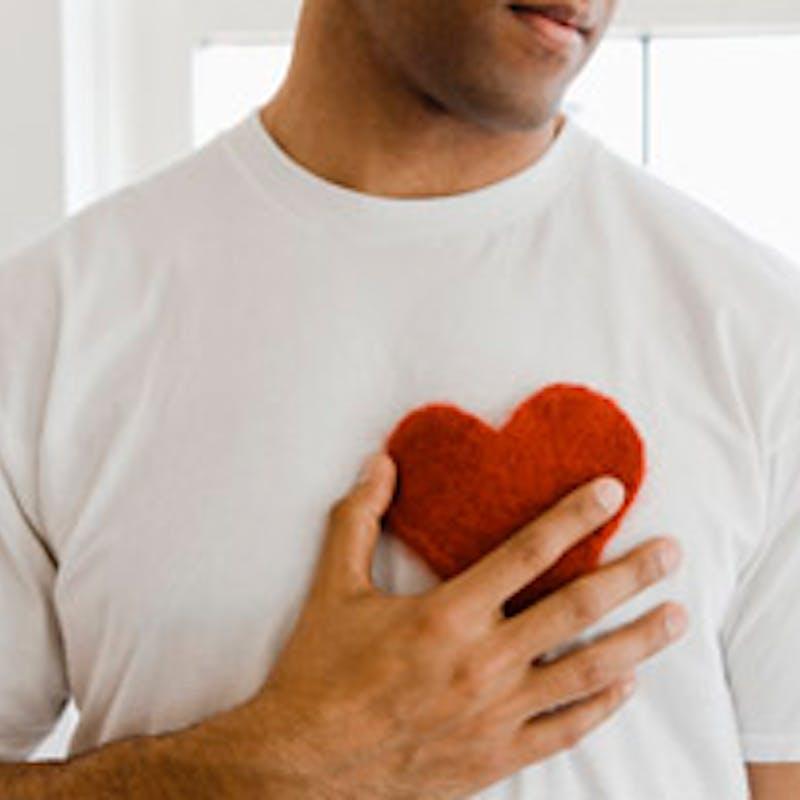 Défibrillateur : les 5 gestes qui sauvent