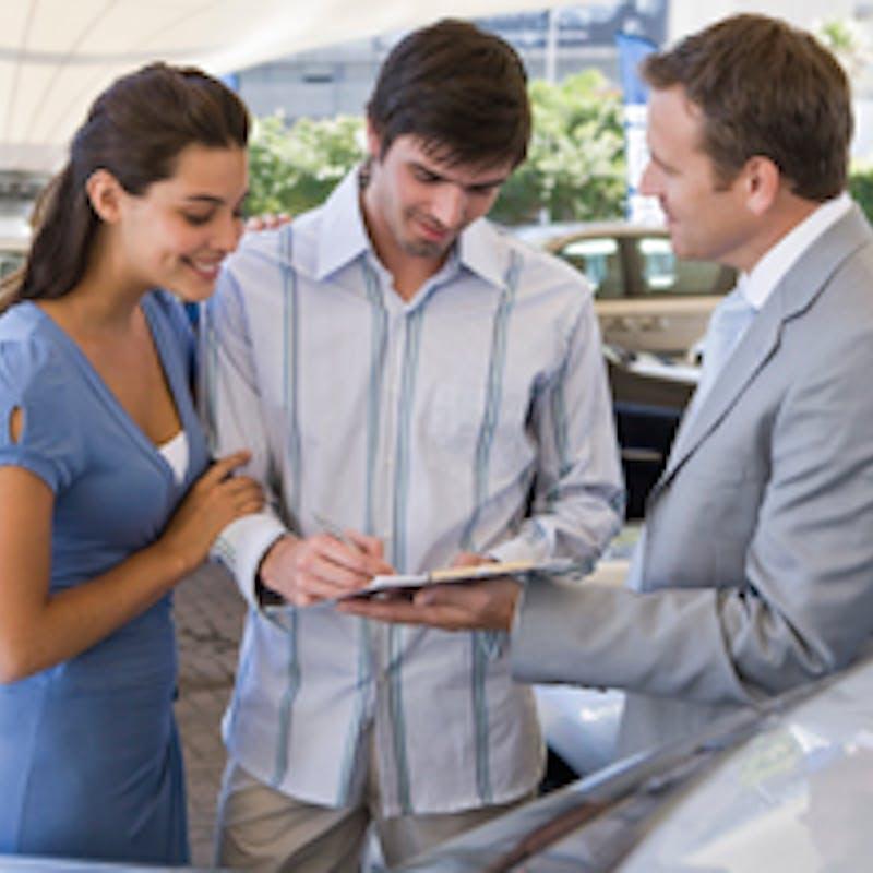 Achat d'une voiture neuve : diesel, essence ou hybride ?