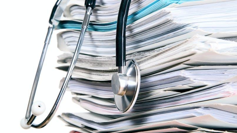 Impôts : faut-il déclarer les indemnités journalières pour maladie ?