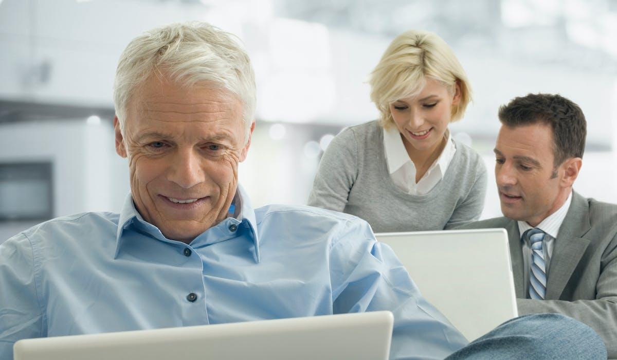À l'approche de la retraite, priorité aux produits permettant de réduire les impôts, comme l'immobilier défiscalisé, et aux produits de capitalisation, tels l'assurance-vie en fonds en euros, le Perp ou le Perco.