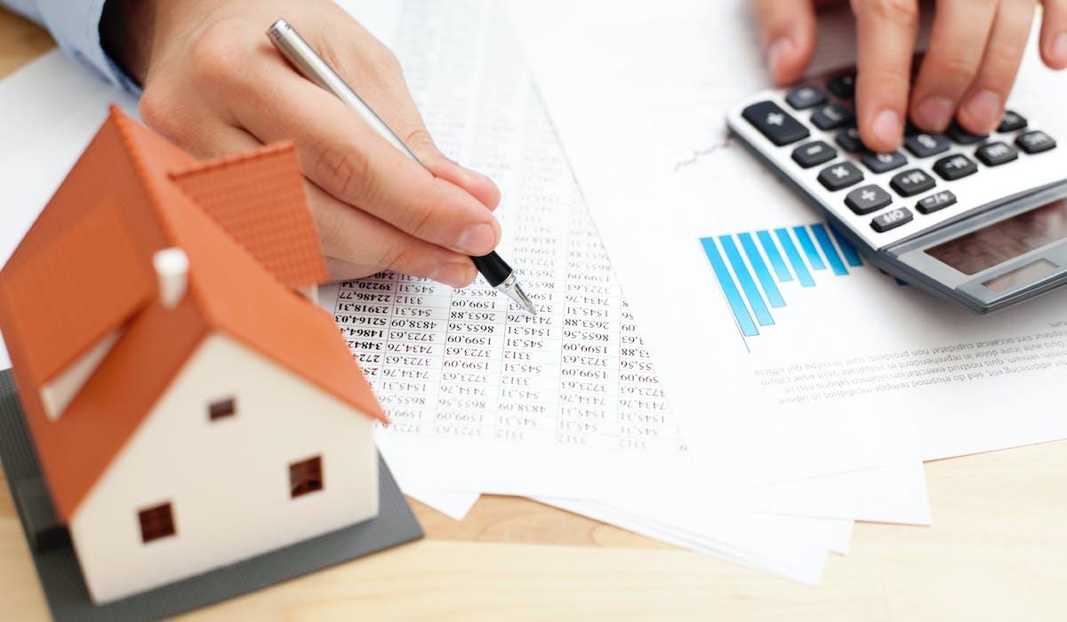 Le dispositif Pinel, en vigueur depuis le mois de septembre 2014, propose une réduction d'impôt, comme le « Duflot », mais plus généreuse.