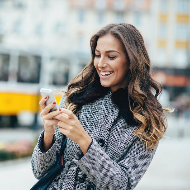 Comment faire pour téléphoner moins cher à l'étranger ?
