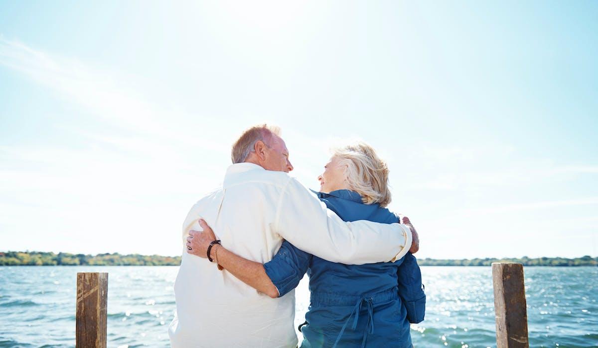 De plus en plus de retraités s'installent à l'étranger, en quête d'un climat agréable, d'un pouvoir d'achat plus élevé, d'un logement bon marché, voire d'un régime fiscal favorable.