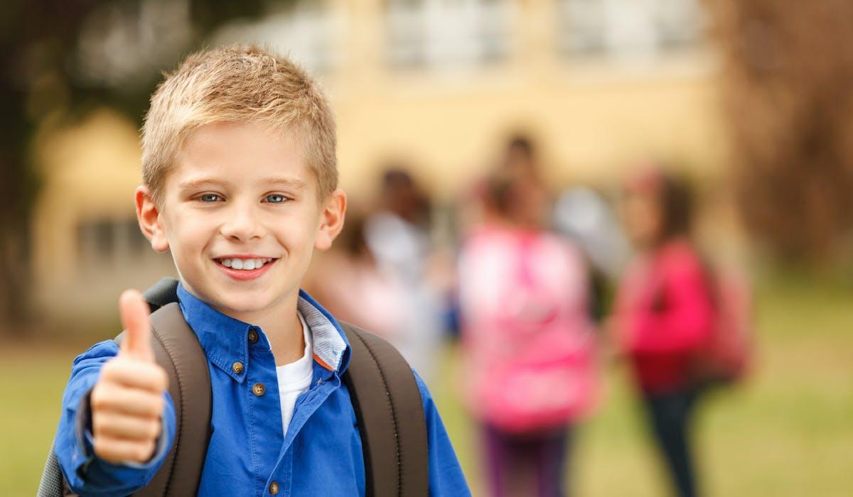 Les familles ayant à charge un ou plusieurs enfants scolarisés ou apprentis, peuvent bénéficier de l'allocation de rentrée scolaire.