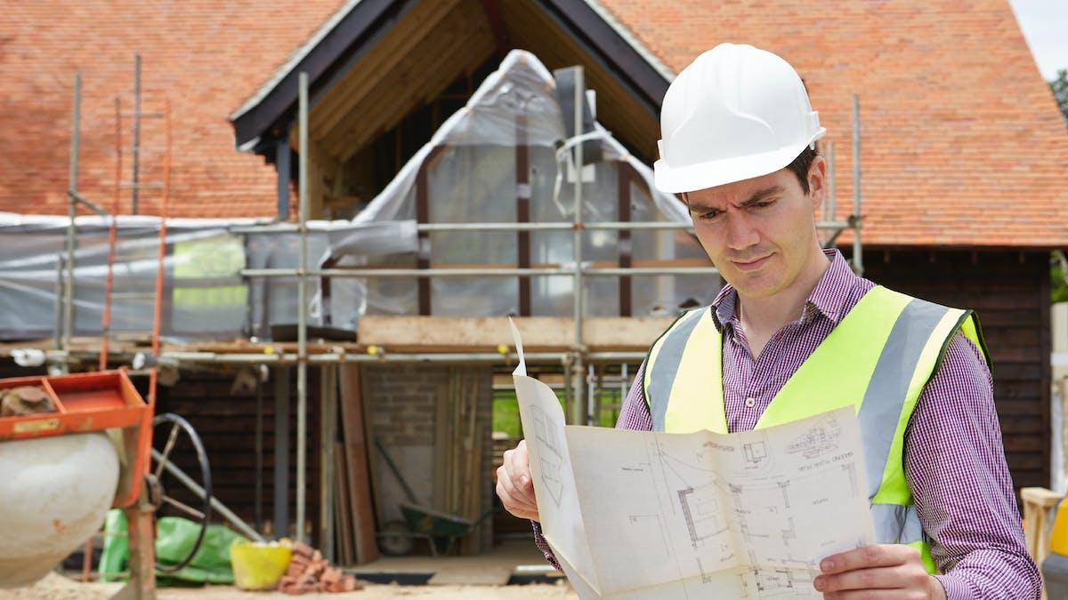 L'édification d'une maison, le percement d'une ouverture ou la création d'un toit-terrasse peuvent constituer un trouble de voisinage.