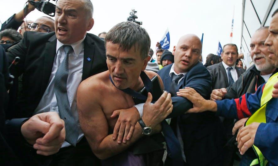 Air France : que risque un salarié qui agresse un membre de la direction ?