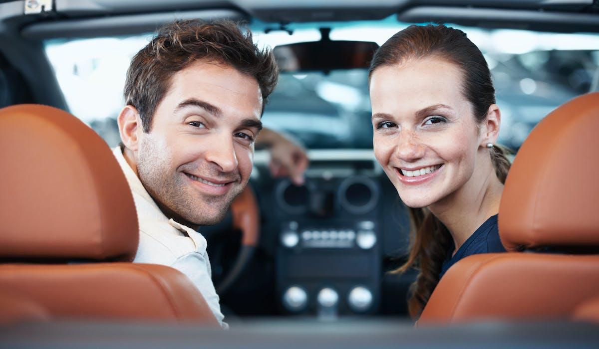En 2014, le prix moyen d'une voiture neuve était de 24 012 €. Une somme que peu de jeunes ménages peuvent investir, notamment s'ils doivent aussi rembourser un prêt immobilier.