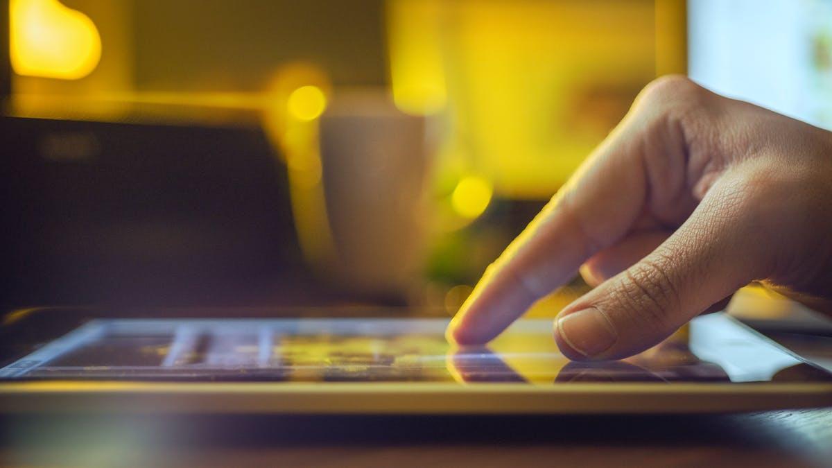 Plusieurs signes attestent que votre compte a été piraté, comme par exemple des tweets ou des posts envoyés depuis votre compte sans que vous en soyez l'auteur.
