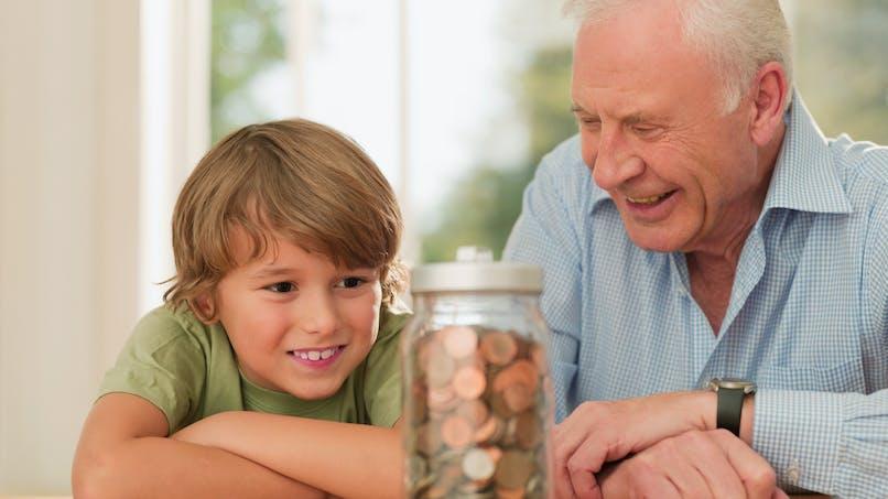 Avantager ses petits-enfants grâce à l'assurance-vie