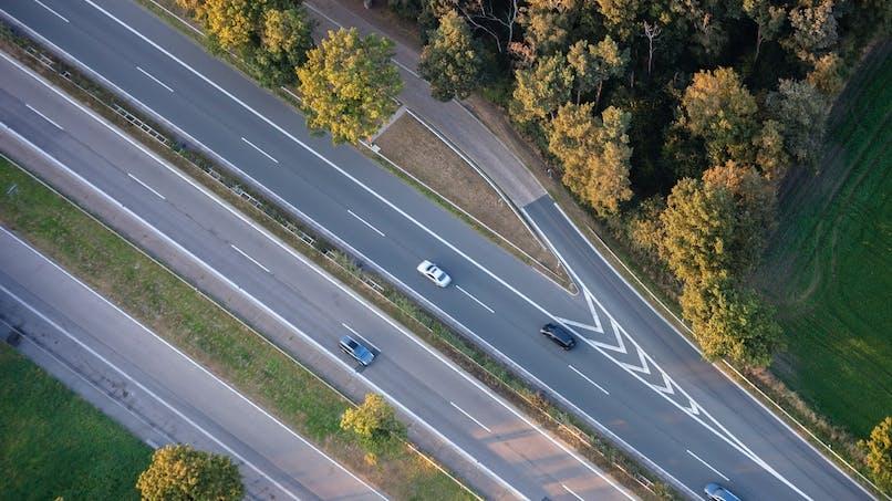 Les tarifs autoroutiers vont augmenter de 1 % le 1er février 2016