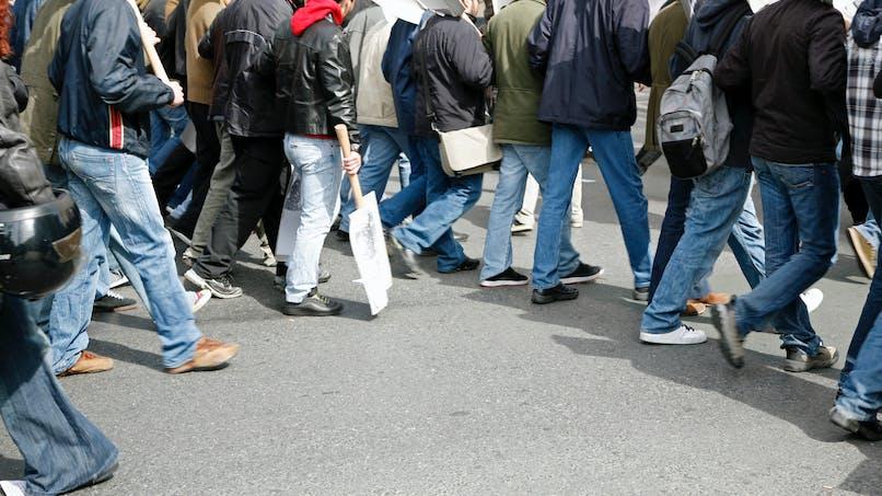 Chauffeurs de taxis, aiguilleurs du ciel, professeurs et fonctionnaires en grève ce mardi