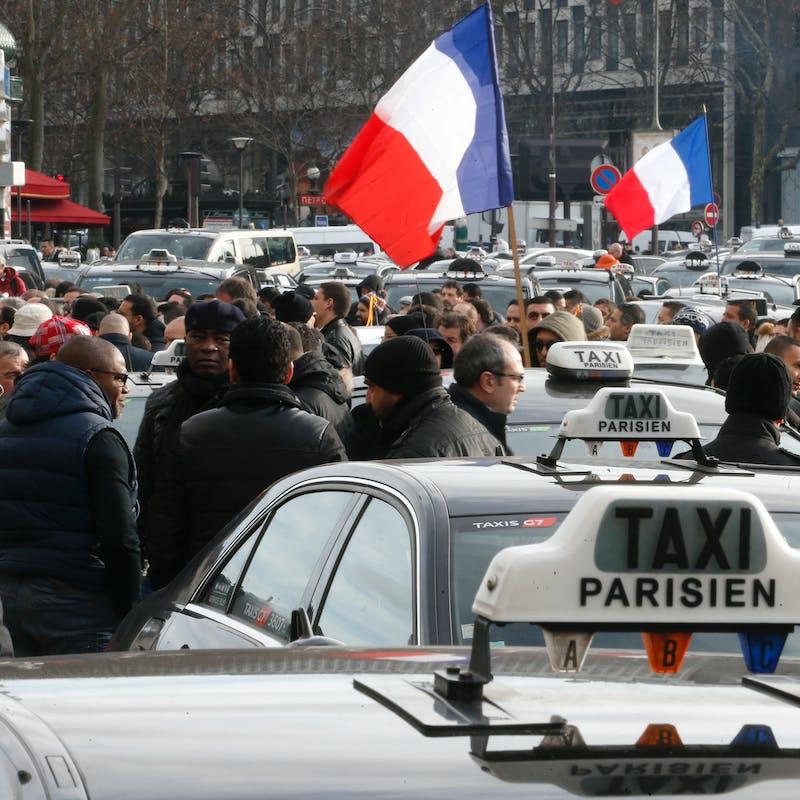 La justice condamne Uber à verser 1,2 million € à l'Union nationale des taxis