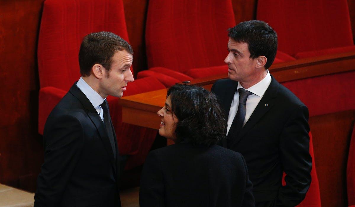 Le Premier ministre Manuel Valls, avec Emmanuel Macron et Myriam El Khomri, le 18 janvier, lors de la cérémonie des voeux aux acteurs de l'entreprise et de l'emploi, au Conseil économique, social et environnemental.
