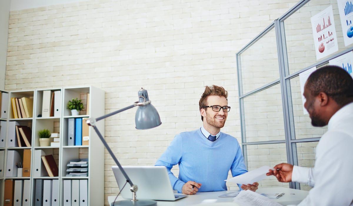 La personne qui conduit l'entretien peut être le chef d'entreprise, le responsable hiérarchique direct ou le responsable des ressources humaines ou de la formation.