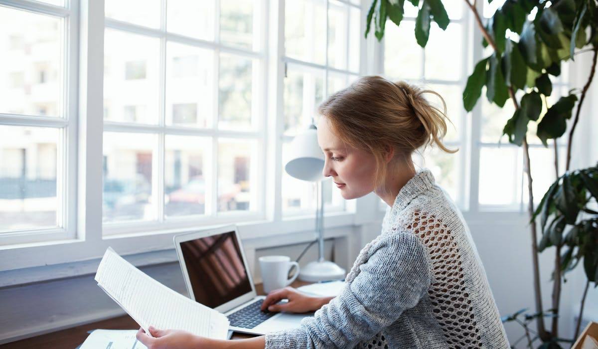 Essayez de joindre votre débiteur par téléphone, afin d'en savoir plus sur les causes de son retard de paiement.