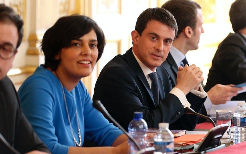 Manuel Valls, Premier ministre et Myriam El Khomri, ministre du Travail lors de la réunion lundi à Matignon avec les partenaires sociaux et les syndicats étudiants.