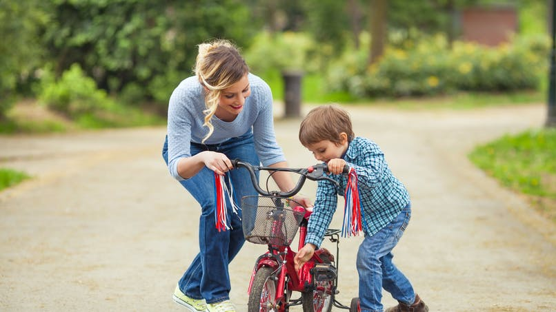 Assistantes maternelles : comment déduire l'abattement pour réduire votre impôt sur le revenu 2016