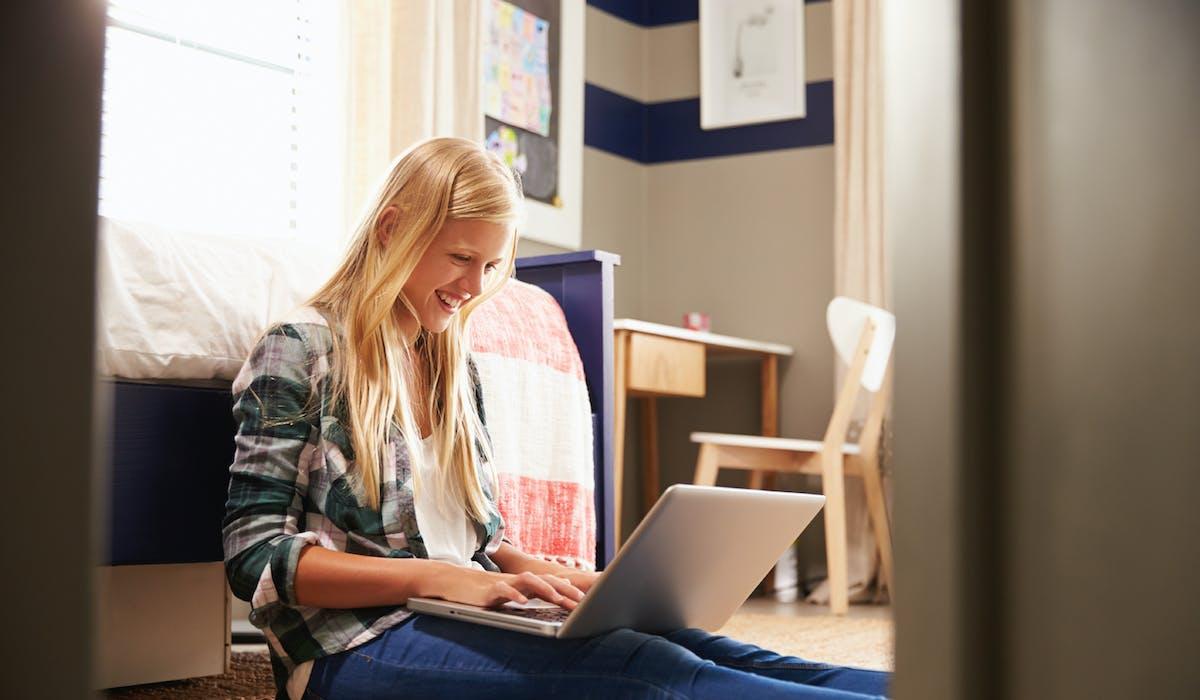 La location de courte durée se fait le plus souvent via des sites Internet de mise en relation entre particuliers, ou des entreprises ou magasins locaux.