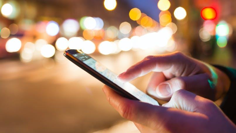 Baisse des frais d'itinérance pour téléphoner en Europe, interdits en 2017