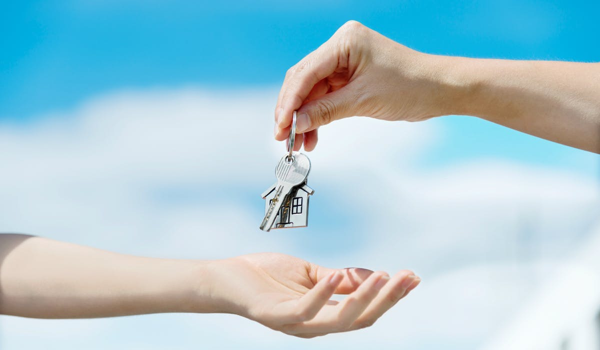 Le dépôt de garantie n'est pas obligatoire, mais comme les propriétaires l'imposent presque toujours, la loi a réglementé son usage.