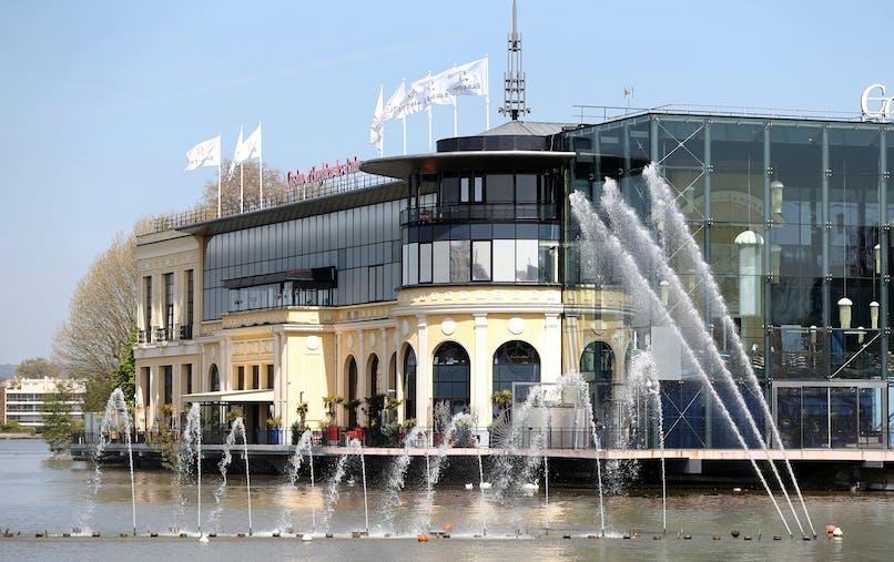 Le casino d'Enghien-les-Bains (Val-d'Oise) en avril.
