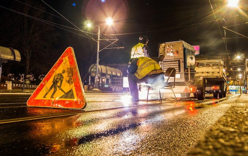 L'étude de l'Anses alerte quant aux dangers du travail de nuit.