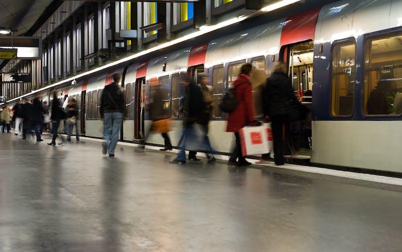 Prendre le bus, le métro, le RER ou le tramway sera plus onéreux.