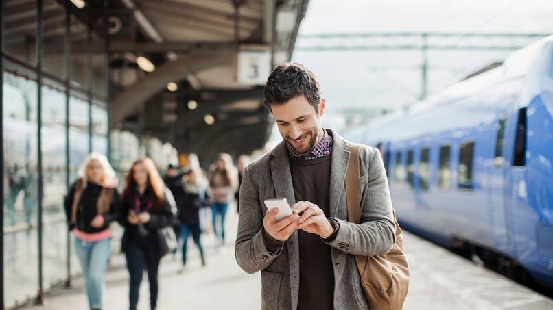 Téléphonie mobile: la fin des frais d'itinérance dans l'Union européenne en juin 2017