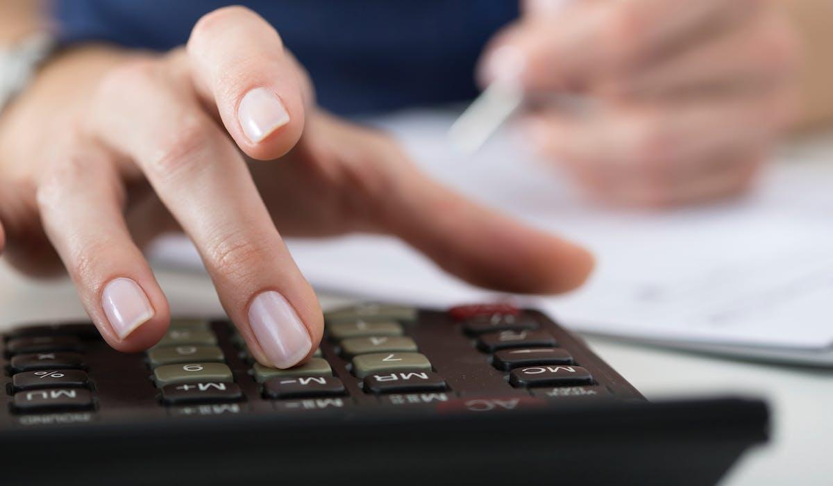 Le montant à régler figure dans votre avis de taxe foncière.