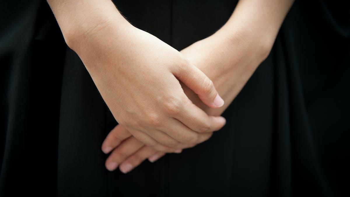 Les assurances obsèques proposent, après le décès du souscripteur, le versement aux héritiers d'un capital destiné à financer les obsèques ainsi qu'une assistance matérielle.
