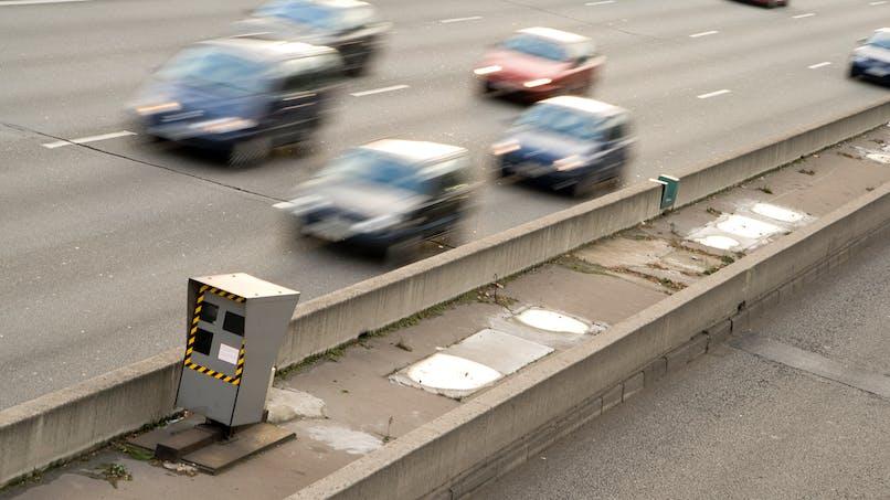 Plus de sanctions contre les grands excès de vitesse et la conduite sans permis