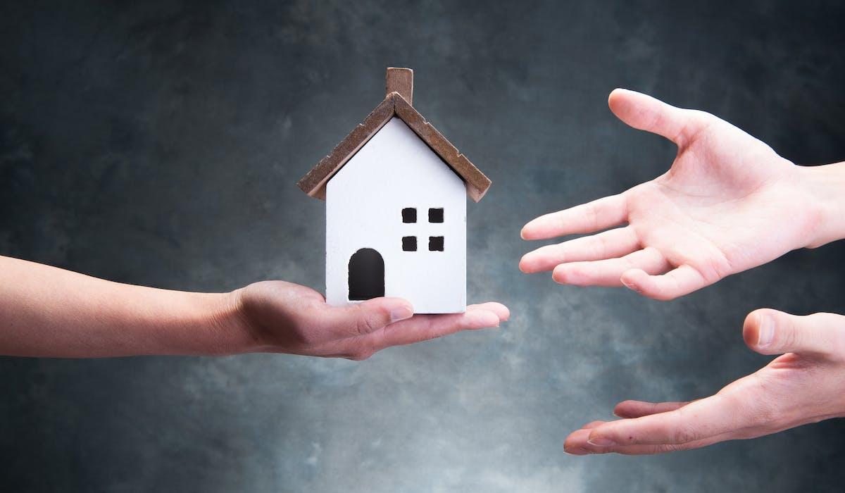L'usufruitier d'un logement peut l'occuper, le prêter ou le louer pour en percevoir les loyers.