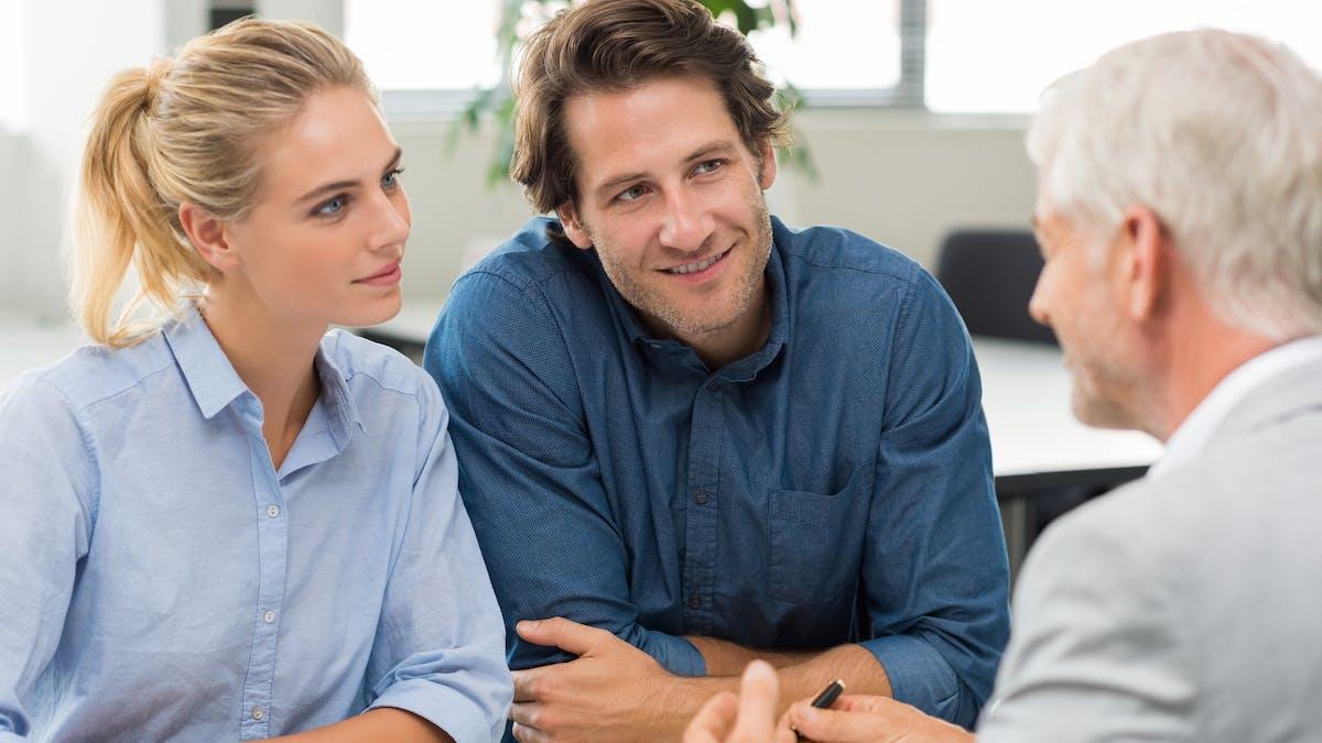 Interrogez votre banquier sur le montant de l'emprunt, son taux, sa durée, et les mensualités.