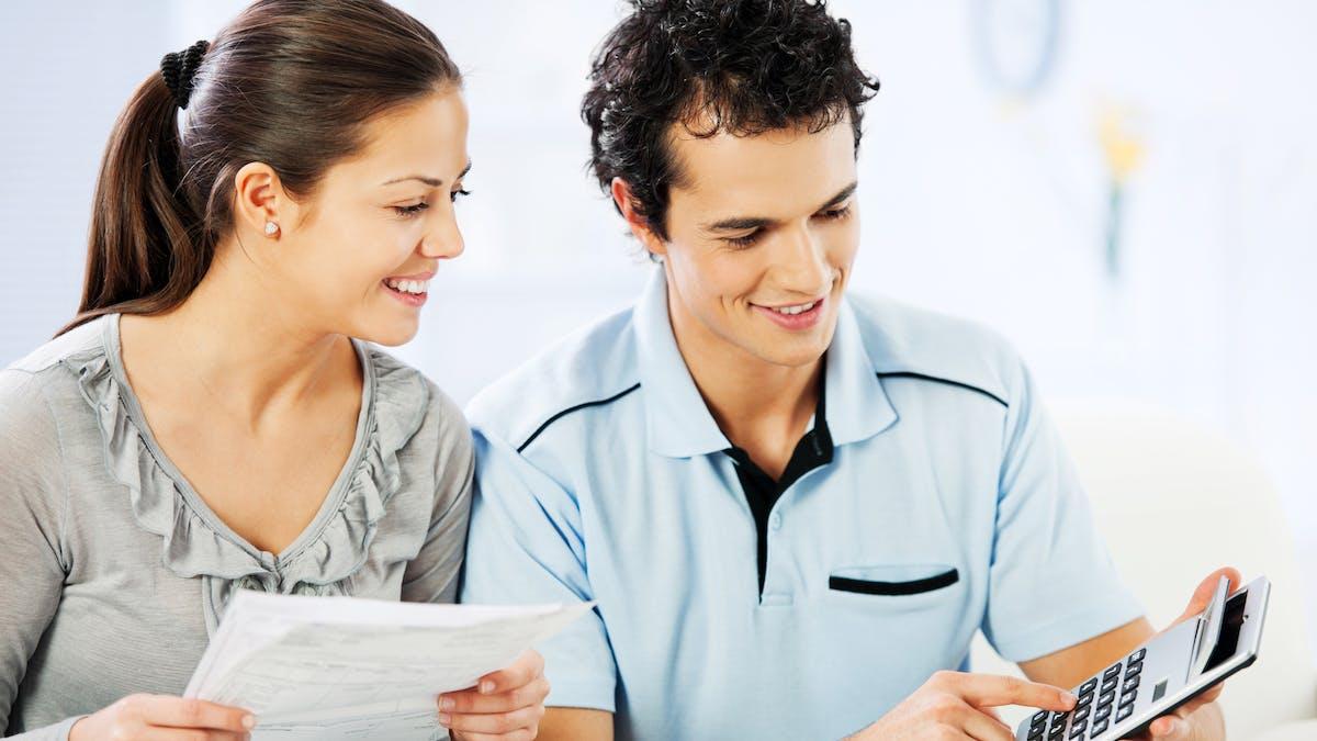 La remise d'impôt pour un couple sans enfant avec un revenu mensuel net de 3 400 € sera de 465 €.