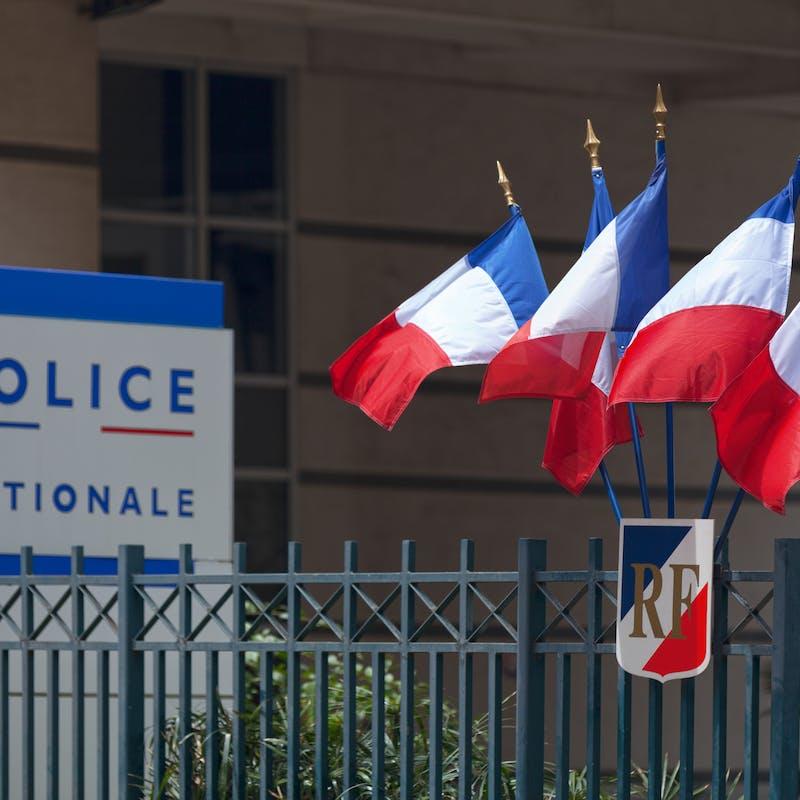 Police : certains appels deviennent payants à Paris