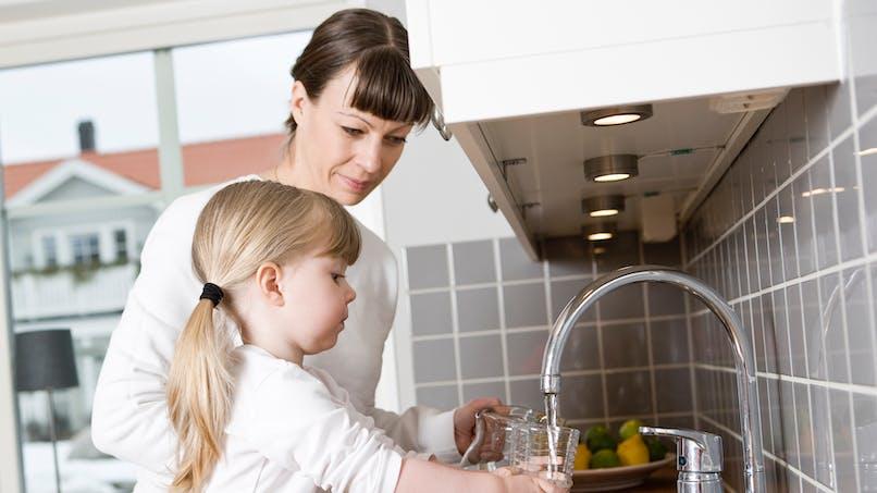 Eau du robinet : 2,8 millions de Français boivent une eau polluée