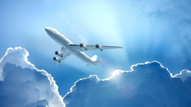 Prix des billets d'avion: des sites critiqués pour leurs pratiques trompeuses