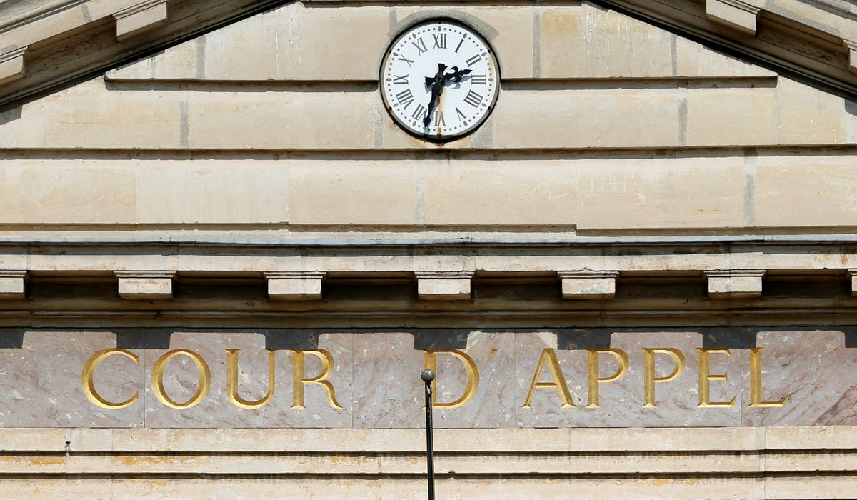 Vue extérieure de la cour d'appel de Versailles.