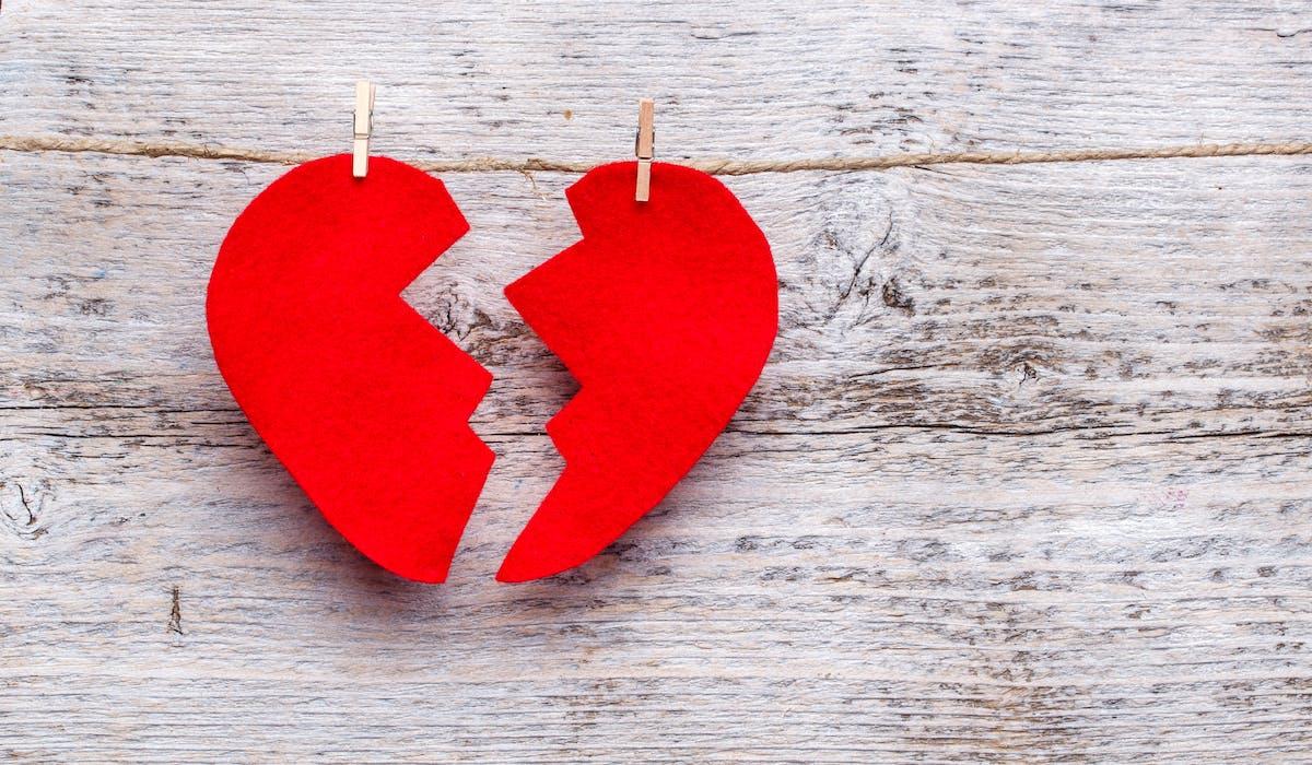 Lors d'une séparation, la question du compte joint libellé au nom de « Monsieur ou Madame » doit se poser bien avant la procédure de divorce.