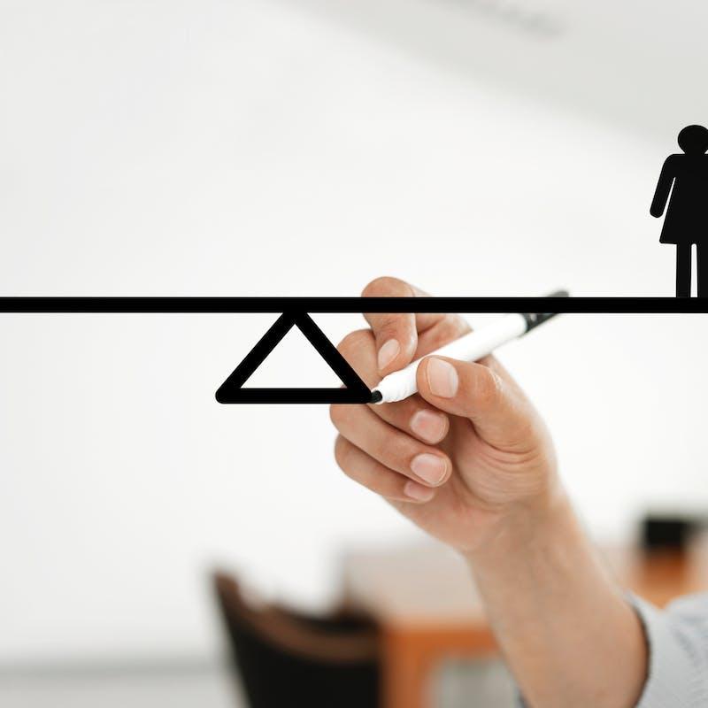 Les femmes gagnent 23,8 % de moins que les hommes