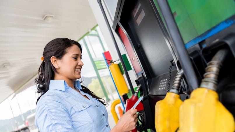 Carburants : les prix baissent