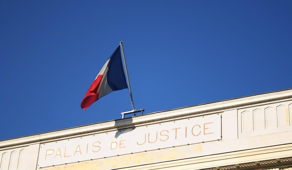 La médiation familiale devient obligatoire à titre expérimental dans onze tribunaux de grande instance.
