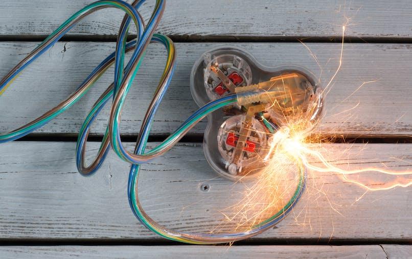 Au bout de 15 ans, votre installation électrique peut présenter des risques si elle n'a pas été entretenue