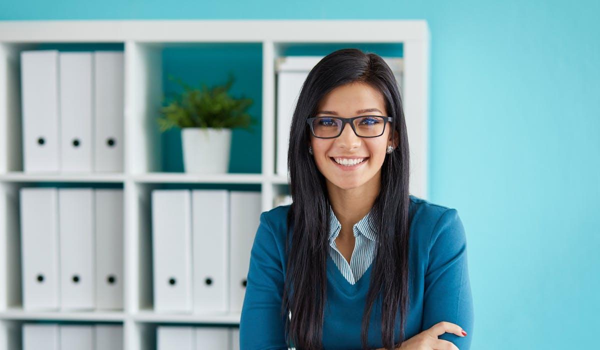 Un stage peut durer au maximum six mois de travail effectif, consécutifs ou pas, dans une même année scolaire.