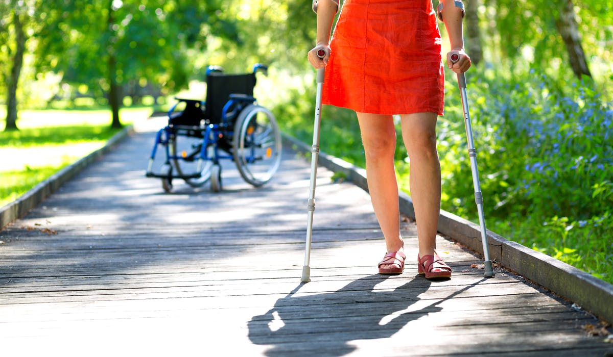 En raison de votre état de santé, vous pouvez percevoir une pension d'invalidité.