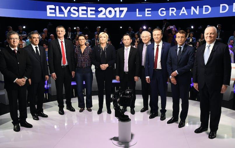Les candidats à l'élection présidentielle, à l'exception de Philippe Poutou, avant leur débat télévisé du 4 avril.