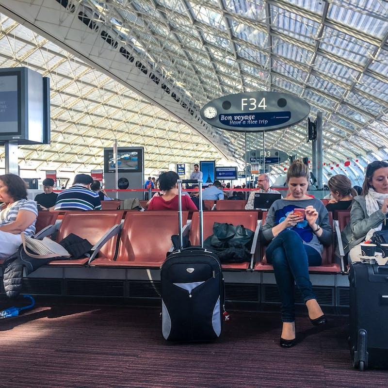 Qualité, informations : les aéroports parisiens peuvent mieux faire
